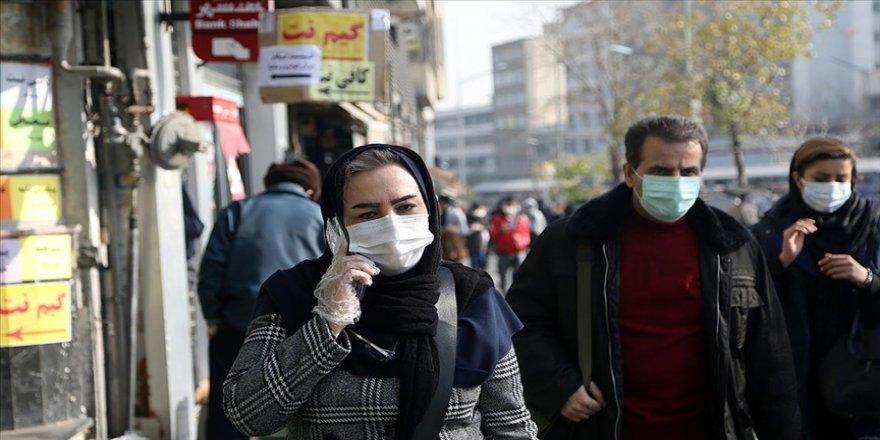 İran'da son 24 saatte Kovid-19'dan 98 kişi hayatını kaybetti
