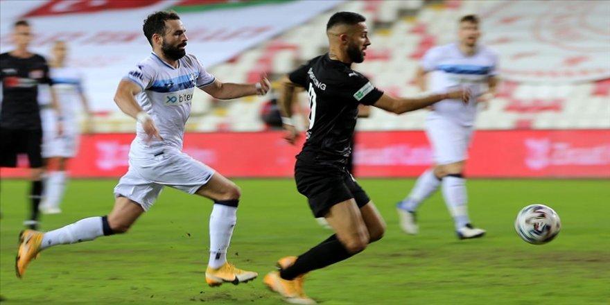Demir Grup Sivasspor çeyrek final biletini uzatmalarda aldı