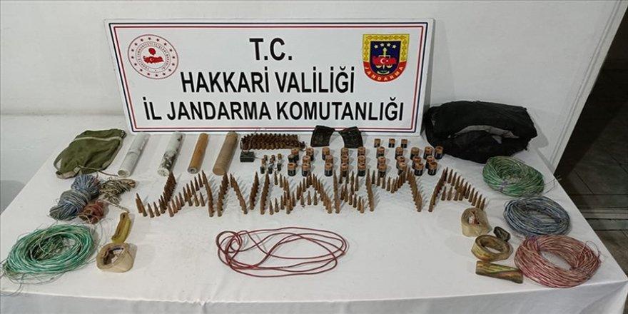 Hakkari'de terör örgütü PKK'ya yönelik operasyonlarda mühimmat ele geçirildi
