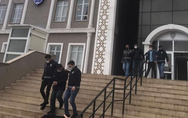 Çayırova'da kapkaç yaptılar,İstanbul'da yakalandılar