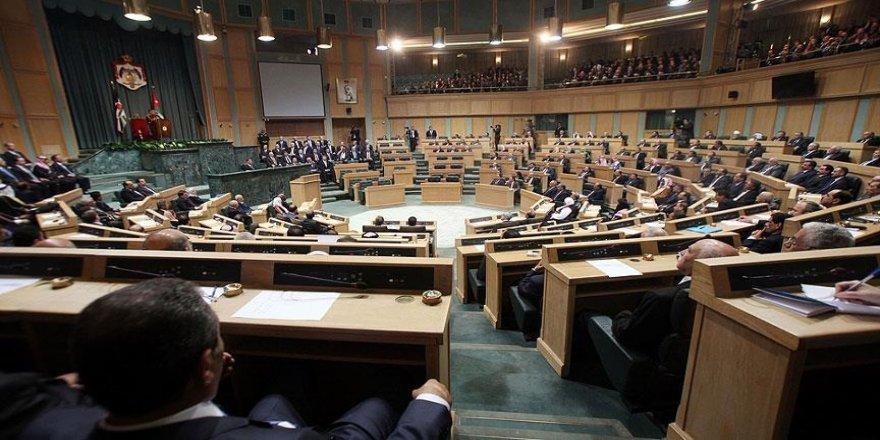 Ürdün'de Başbakan Hasavne liderliğindeki yeni hükümet oy çokluğuyla güvenoyunu aldı