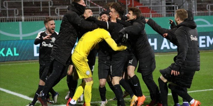 Almanya Kupası'nda Bayern Münih'i penaltılarla yenen Holstein Kiel 3. tura yükseldi