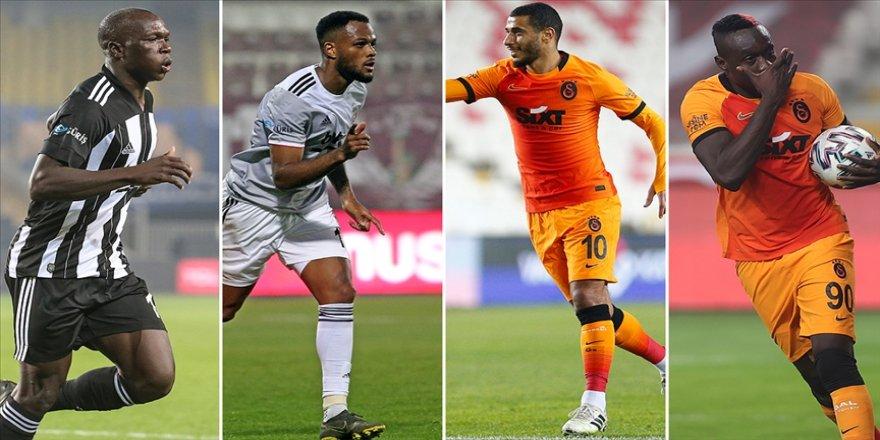 Beşiktaş ve Galatasaray'ın golcüleri derbiyi bekliyor