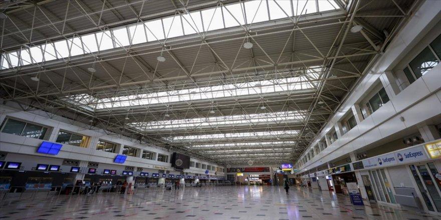 Antalya Havalimanı 140 rotadan 10 milyon yolcuyu ağırladı