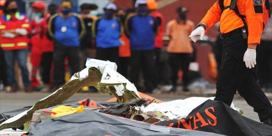 Endonezya'da düşen yolcu uçağının ikinci karakutusu içi boş halde bulundu