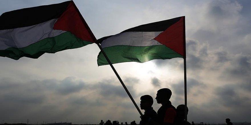 Filistin'de siyasi gruplar ve kurumlar seçim kararından memnun