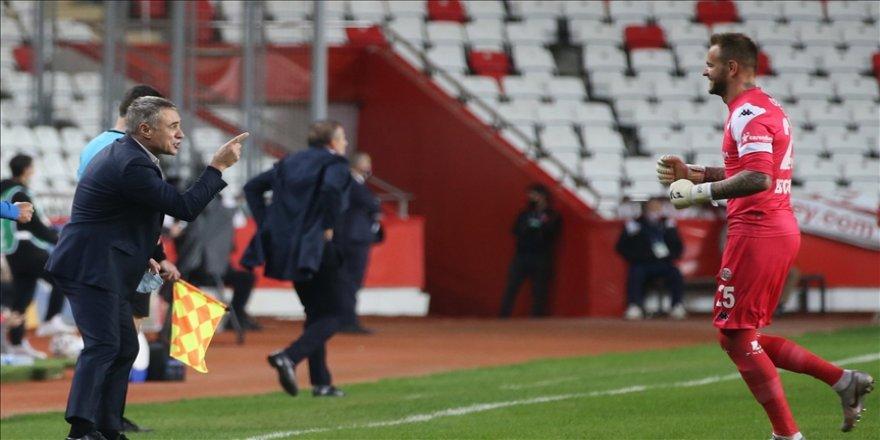 Fraport TAV Antalyaspor Teknik Direktörü Ersun Yanal: Oyuncularımın maç kazanma arzusu beni mutlu ediyor