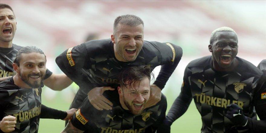 Göztepe, deplasmanda Konyaspor'u 3-2 yendi