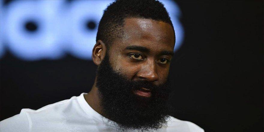 NBA'de Harden yeni takımındaki kariyerine rekorla başladı