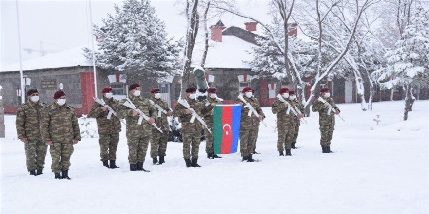 Azerbaycan askerleri 'Kış Tatbikatı' için Kars'ta