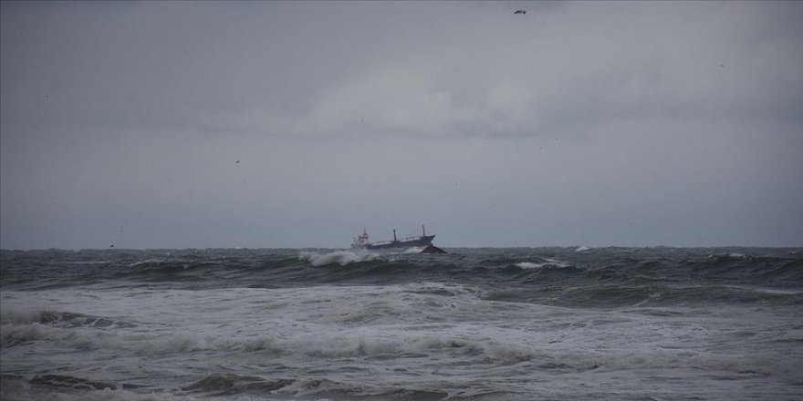 Karadeniz'de batan kuru yük gemisinden 5 kişi kurtarıldı, 2 kişinin cesedine ulaşıldı