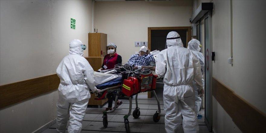 Türkiye'de son 24 saatte 6 bin 436 kişinin Kovid-19 testi pozitif çıktı, 165 kişi hayatını kaybetti