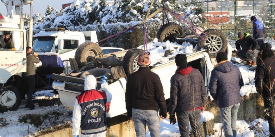 Kocaeli'de kaybolan doktorun cesedinin ardından aracı da çıkarıldı