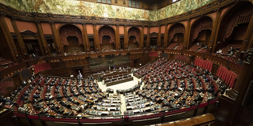 İtalya'da Başbakan Conte ve hükümeti, Temsilciler Meclisinden güvenoyu aldı