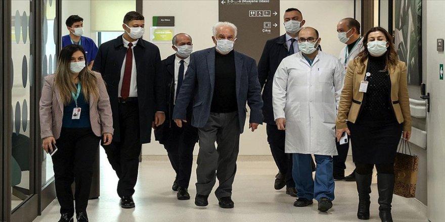 Vatan Partisi Genel Başkanı Doğu Perinçek Kovid-19 aşısı yaptırdı