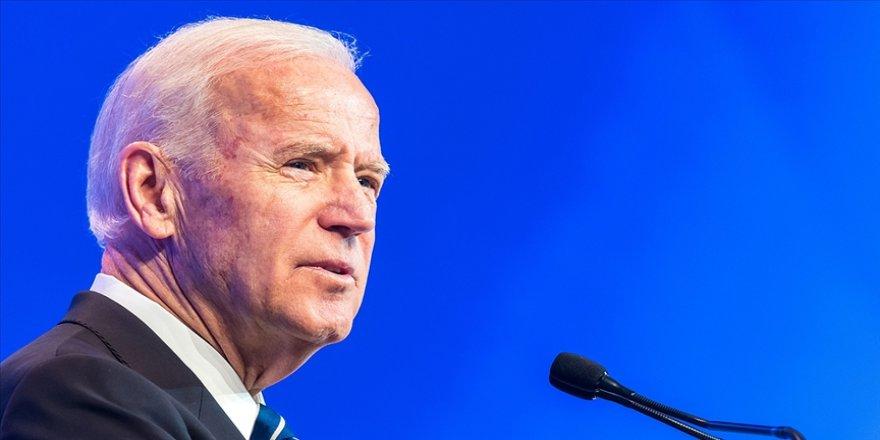 Biden, yemin töreni öncesi Kovid-19'dan ölen 400 bin Amerikalı için Washington'da anma töreni düzenledi