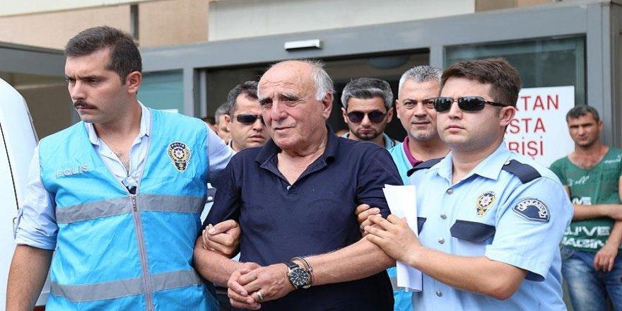 Hakan Şükür'ün babası 'FETÖ'ye yardım' suçundan 3 yıl 1 ay hapis cezasına çarptırıldı
