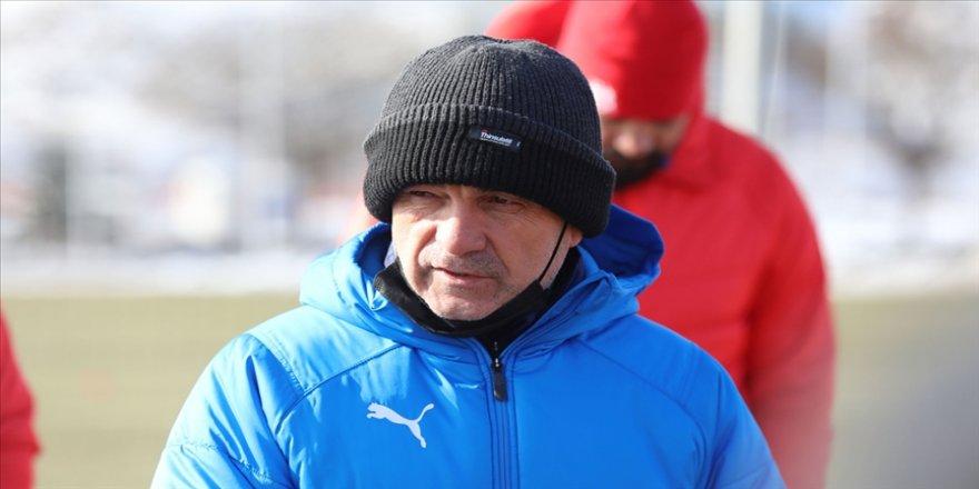 Sivasspor Teknik Direktörü Çalımbay, Fenerbahçe karşısında takımına güveniyor