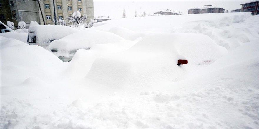 Doğu Anadolu'da kar ve dondurucu soğuk etkili oluyor