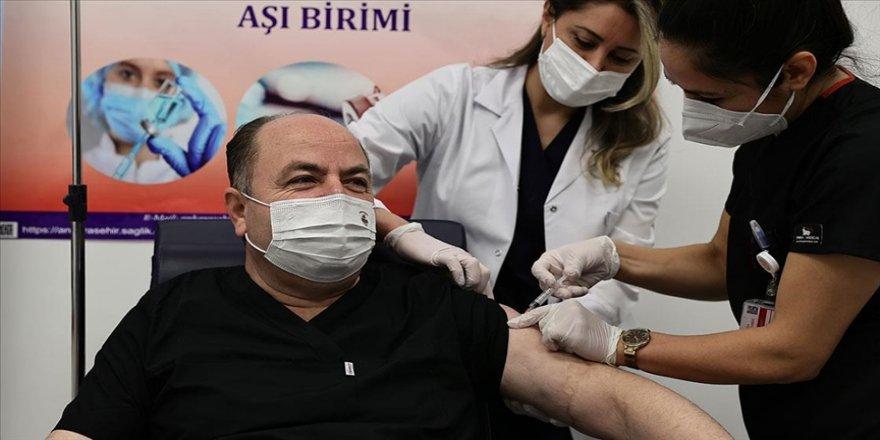 Anavatan Partisi Genel Başkanı Çelebi Kovid-19 aşısı yaptırdı