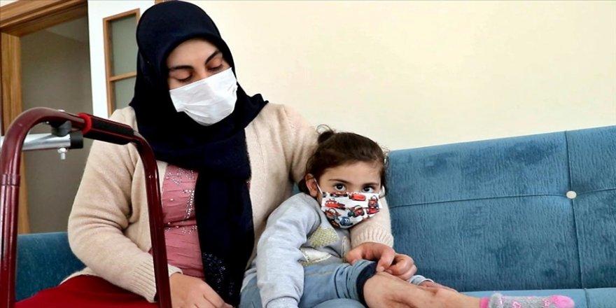 Depremden 24 saat sonra enkazdan çıkarılan Yüsra ve annesi devletin yardımıyla hayata tutundu