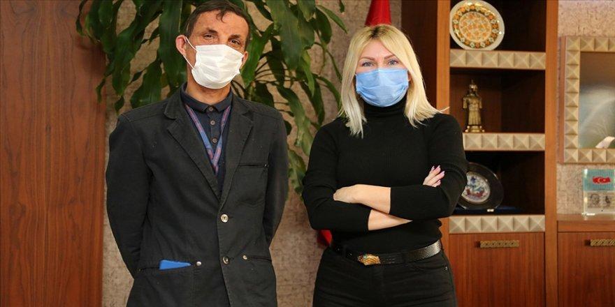 Türkiye'de yüz nakli yapılan ilk kişi olan Uğur Acar naklin 9. yılında doktorlarıyla buluştu