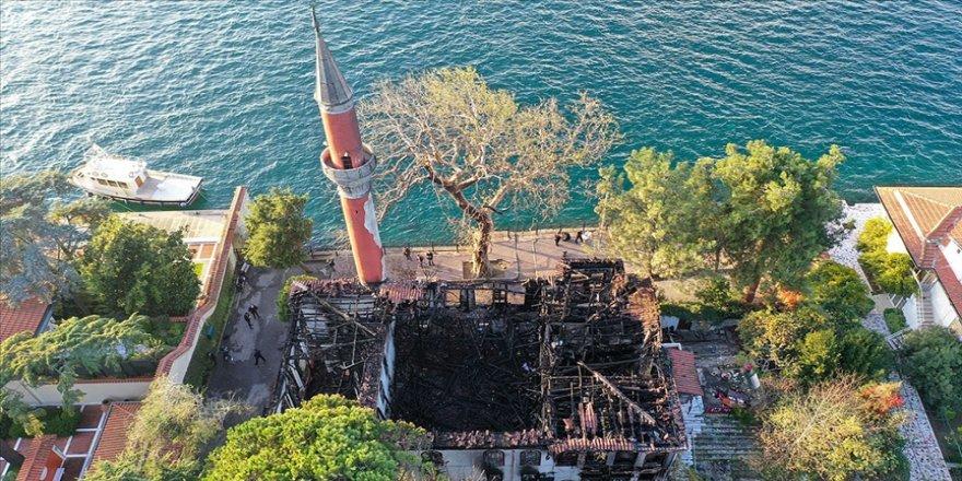 Tarihi Vaniköy Camisi'ndeki yangına ilişkin soruşturmada takipsizlik kararı verildi
