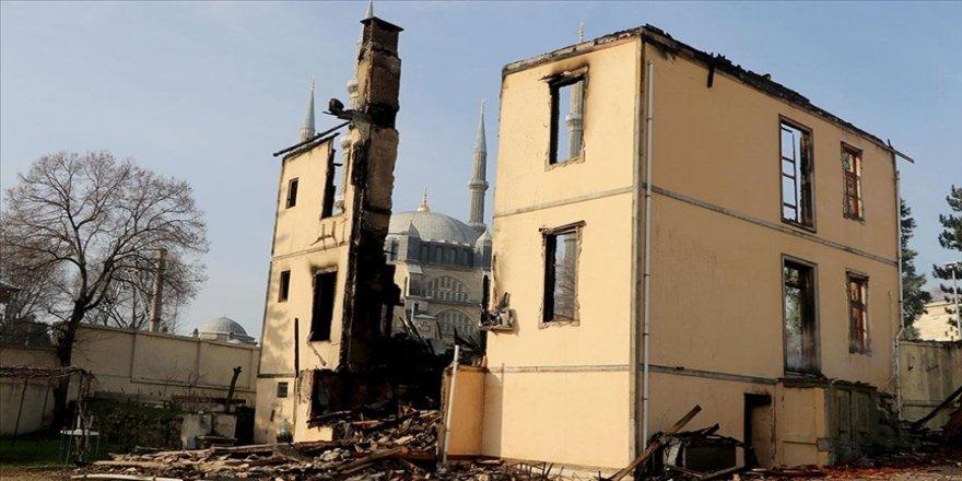 Edirne'de yangında kullanılamaz hale gelen müftülük binası aslına uygun olarak yeniden yapılacak