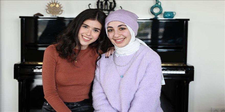 Aden ve Suriyeli Aya, dezavantajlı çocuklar için müzikle buluştu
