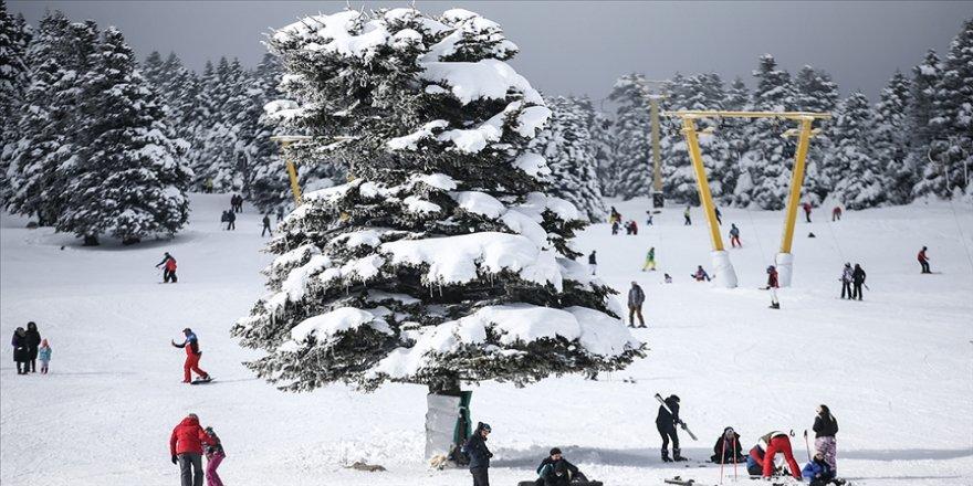 Uludağ'da kayak sezonu yarıyıl tatiliyle hareketlenecek