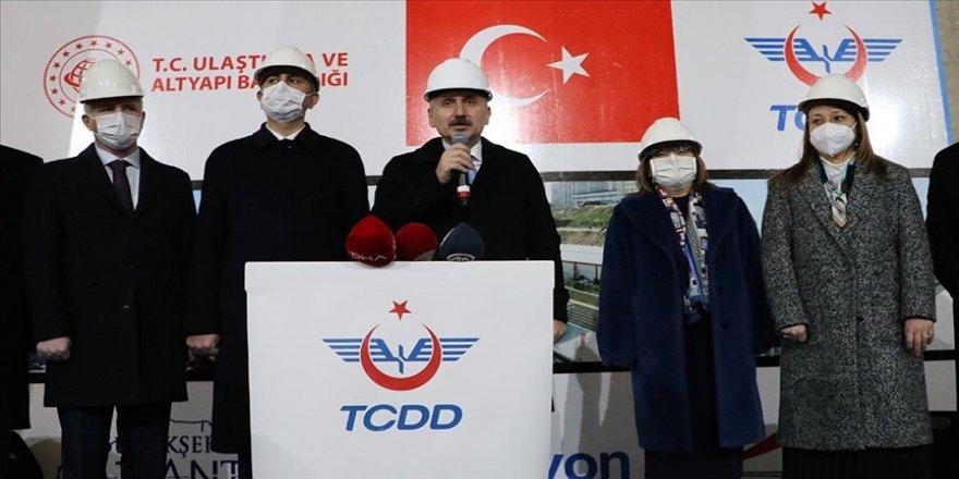 Ulaştırma ve Altyapı Bakanı Karaismailoğlu: Gazianteplilere Gaziray'ı kazandırmanın heyecanını yaşıyoruz