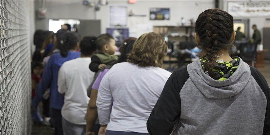 ABD'nin Teksas eyaletinden göçmenlerin sınır dışı edilmesini durduran Biden yönetimine dava