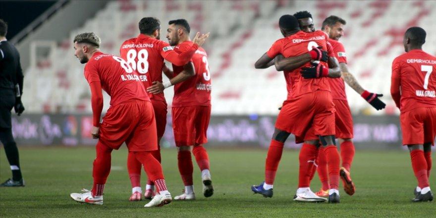 Demir Grup Sivasspor beraberliğe 'abone' oldu