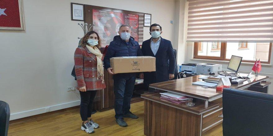 Gebze'deki çevreci okullara hediyeler