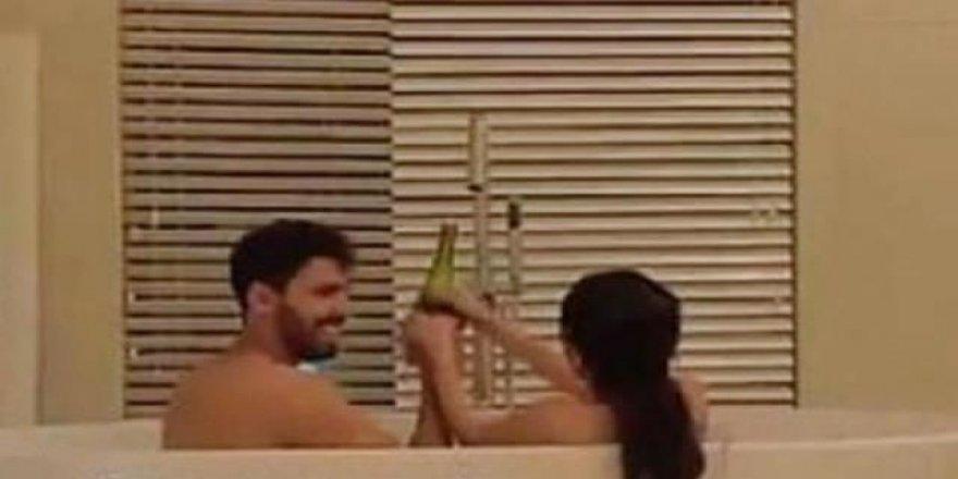 Fenomen Fouz Al-Otaibi eşiyle küvet videosunu paylaşdı