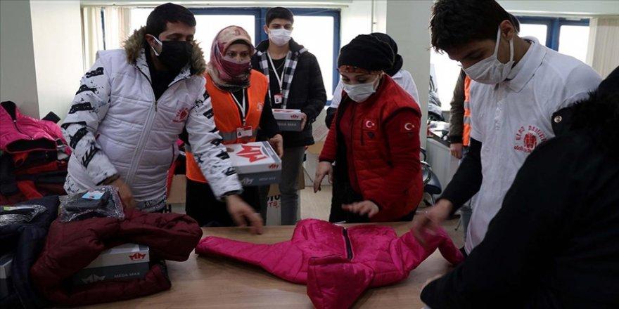 Elazığ'da depremzede 1023 çocuğu ısıtacak yardım