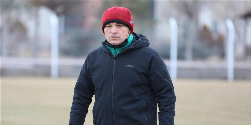 Sivasspor Teknik Direktörü Çalımbay: İki oyuncu alacağız
