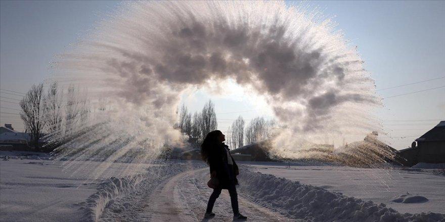 'Havaya attığımız kaynar suyun yere düşmeden donmasını seyrettik'