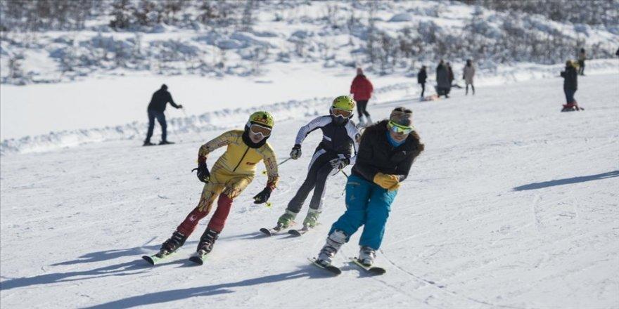 Tunceli'de kayak sezonu açıldı