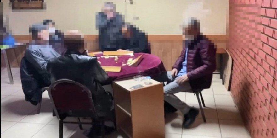 Kocaeli'de Kumar oynayan 21 kişiye para cezası