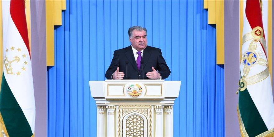 Tacikistan Cumhurbaşkanı Rahman: Salgın işsizlik ve durgunluğu artırdı