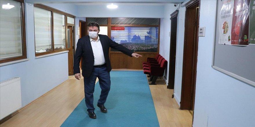 Ferizli Belediyesinde sigarayı bırakan personele 1000 lira teşvik primi verilecek