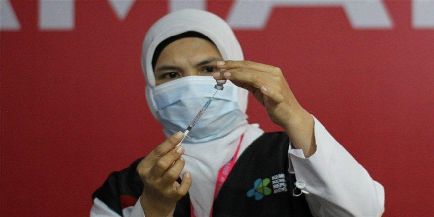 Endonezya'da Kovid-19 aşısının ikinci dozu uygulanmaya başlandı