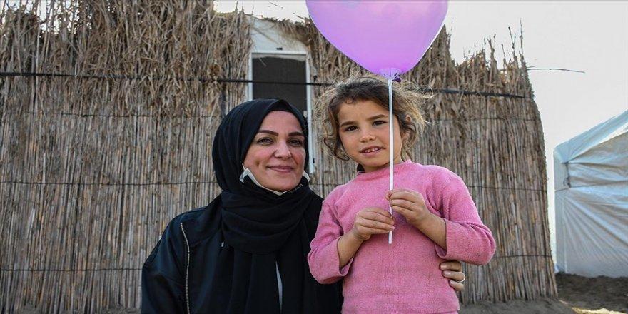 Köy çocuklarının 'Meltem ablası' yardım için yollara düşüyor