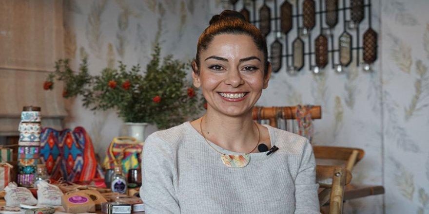 Kadın girişimci koronavirüs nedeniyle açamadığı dükkanını 'sanal ortama taşıdı'