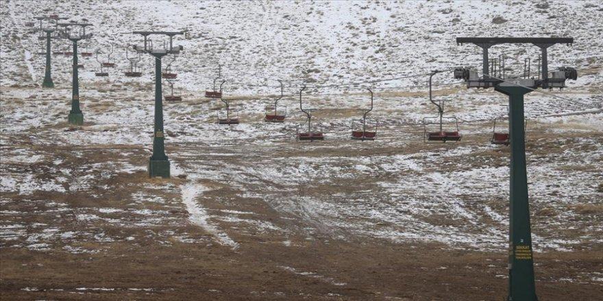 'Turizmin başkenti' kayak tutkunları için hazır