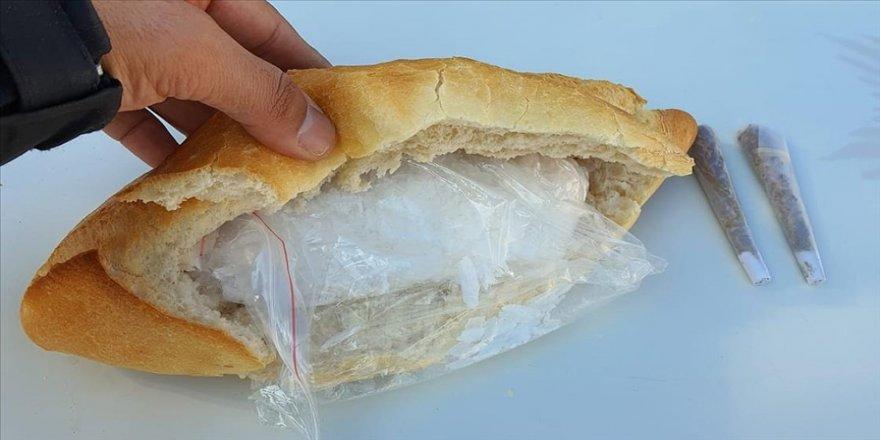 'Ekmek arası uyuşturucu' yunusların dikkatinden kaçmadı