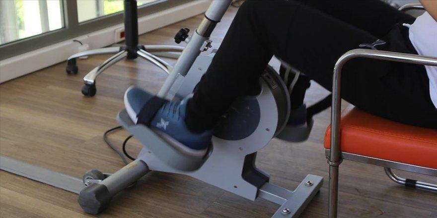Fizik tedavi Kovid-19 geçirenlerin şikayetlerini azaltarak egzersiz kapasitelerini artırıyor