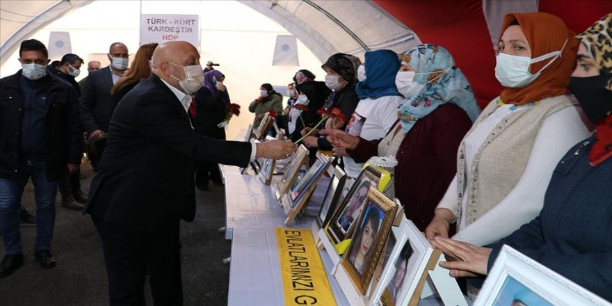 Hak-İş Genel Başkanı Arslan Diyarbakır annelerini ziyaret etti: