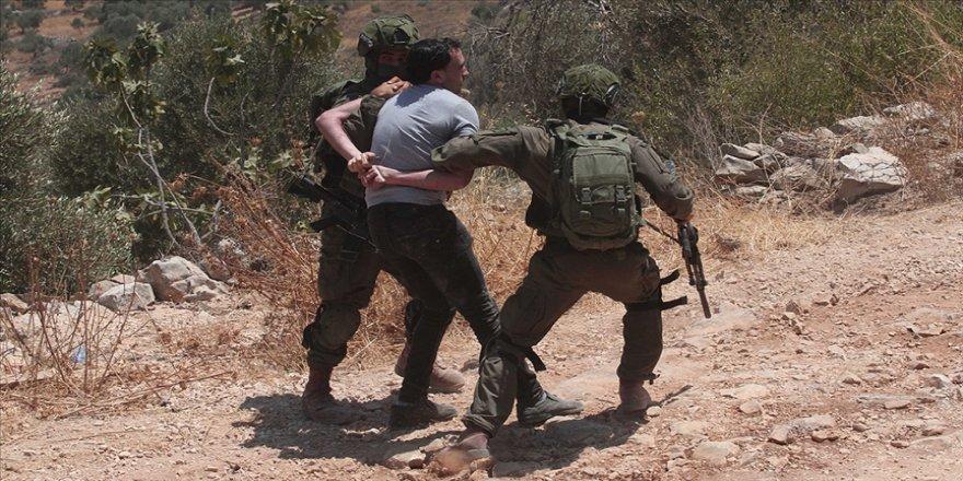 İsrail güçleri Batı Şeria'da 12 Filistinliyi gözaltına aldı